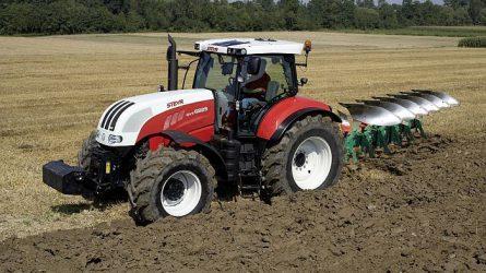 Jelentősen bővült az első félévben a traktorpiac