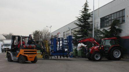 A nyitásra készül az AGROmashEXPO - Traktorok, gépek a nyitás előtti napon