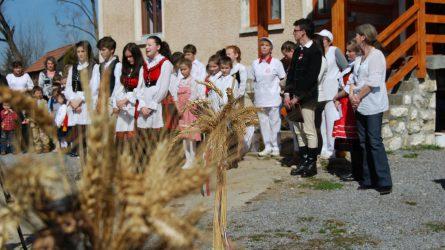Mezőgazdasági munkagépeket kapott a gyergyószentmiklósi Szent Anna Gyermekotthon