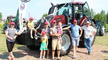 Az első Valtra T4 traktor átadása Magyarországon