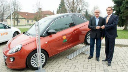 Gazdára talált az Opel nyereményautó a KWS repcés játéka során!