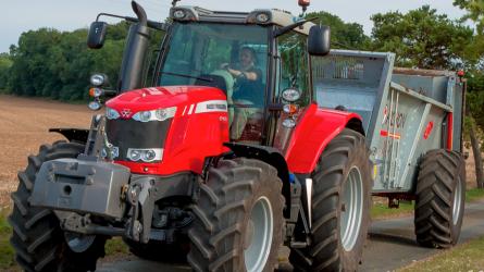 Melyik erőgép lesz az Év Traktora 2017-ben? (+KÉPEK)