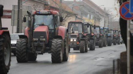Traktoros tüntetés volt Kiskunmajsán - Célt értek a gazdálkodók (+KÉPEK)