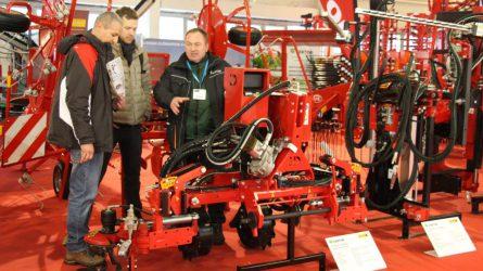 Költségtakarékos mezőgazdasági gépek a Vektor-Holding Kft.-től (+VIDEÓ)