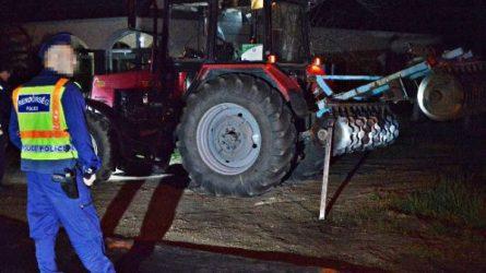 Végigszántotta a traktor tárcsája a Honda oldalát (+KÉPEK)