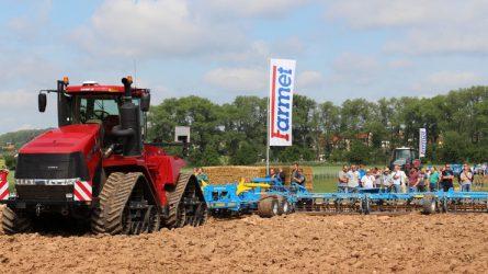 Farmet szántóföldi gépmutató Csehországban