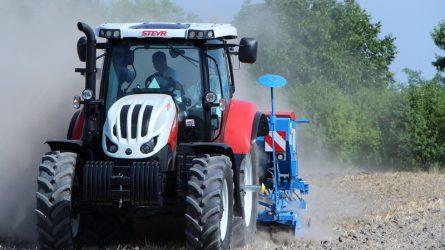 Nyers erő a mohácsi talajon - STEYR, Lemken és Sumo gépek a Magtár Kft. bemutatóján