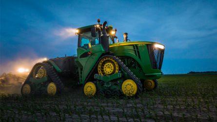 Keskeny gumihevederes traktorok a John Deere-tól
