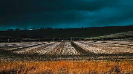 Nehéz lesz a földeken: szél, eső jön az utolsó októberi hétvégén