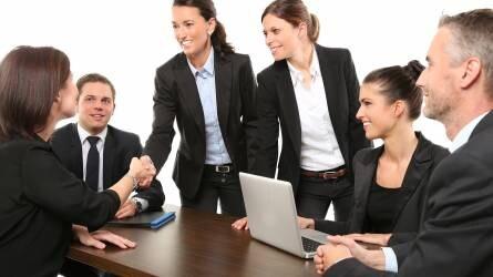 Mit vonhat le a munkáltató a munkabérből?