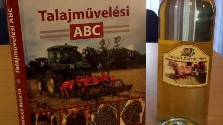 A talajművelés illemtankönyvének bemutatója