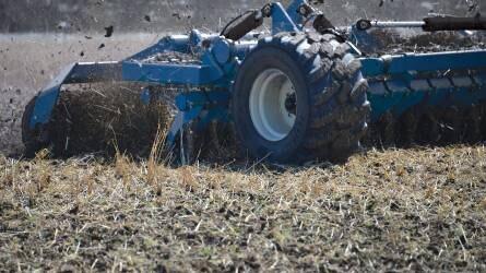 A Kinze is belép a nagysebességű talajművelő gépek piacára
