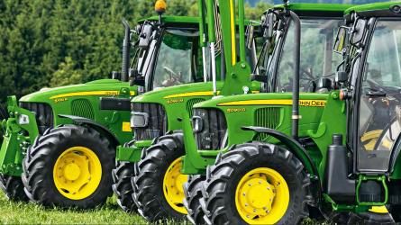 A John Deere frissíti az 5M traktorcsalád tagjait