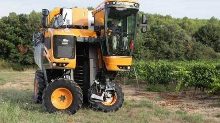 Traktorok, szőlőkombájnok és dióbetakarító - Gépújdonságok a szőlő- és gyümölcstermesztésben