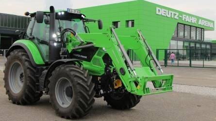 Magyar gazdálkodókkal jártuk be Európa legmodernebb traktorgyárát