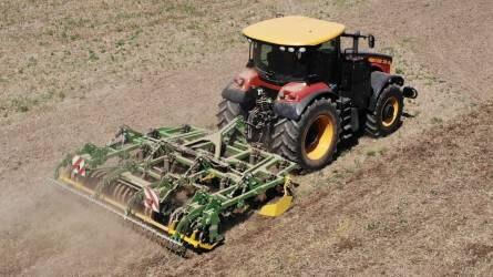 Az eszköz, ami két technológiát egyesít - Kerner Corona hibridkultivátor és Versatile traktor Kertán (VIDEÓ)
