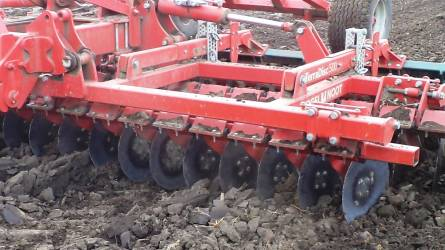 Tavaszi talajmunkák az őszi alapművelés tükrében