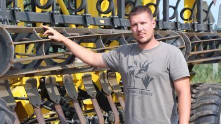 Egyenletes munkavégzés, precíz beállítás – Bednar gépek a Gergely Farmon