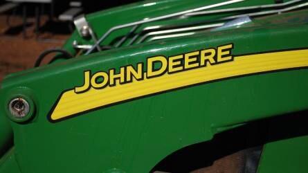 Traktorpiac: lendületesen menetel a John Deere