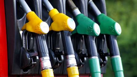 10 forinttal lesz olcsóbb szerdától a gázolaj