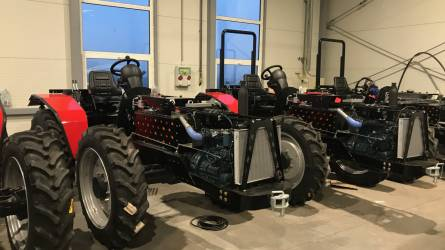 Magyar traktor karácsonyra