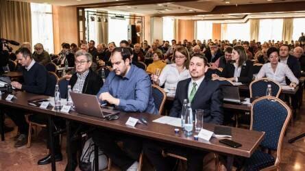 Precíziós konferencia: ahol a hagyomány és az újdonság kéz a kézben járnak