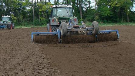 Repcevetést megelőző talajmunkák – Tarlóhántás, szántás, elmunkálás, tömörítés