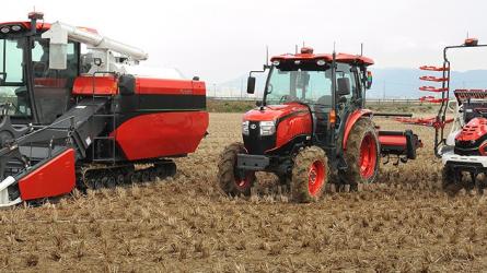 Robot traktorok - A keleti válasz