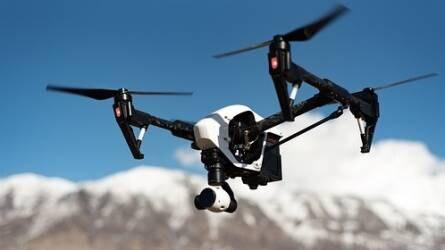 Ugató drónok veszik át a juhászkutyák munkáját