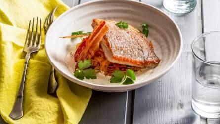 Ha péntek, akkor halas recept: Sült ponty káposztával