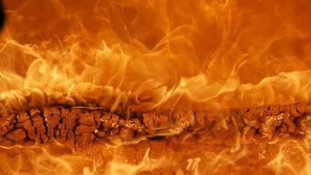 Háromszáz körbála égett Kiskunmajsán
