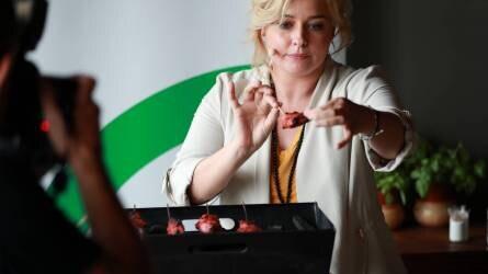 Wossala Rozinával indítja a grillszezont a SPAR