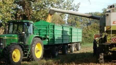 Negyedével esett vissza a mezőgazdasági pótkocsipiac