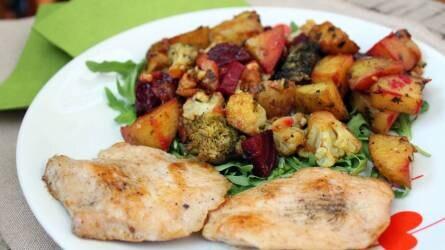 Zöldségvarázs natúr csirkemellel és rukkolával