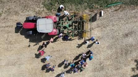 Talajművelés Kerner kultivátorokkal - Vektor gépbemutató aratás után