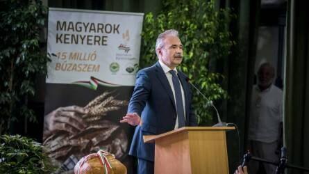 Agrárminiszter: a tegnap módszereivel nem lehet eredményesen megküzdeni a ma kihívásaival