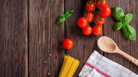 Paradicsommal kapcsolatos étkezési szokások és két tájfajta értékelése