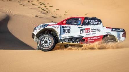 Sikerrel birkózott meg a namibiai sivataggal Fernando Alonso