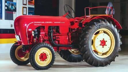 Kalapács alá került egy igazi ritkaság, egy 1957-es Porsche traktor