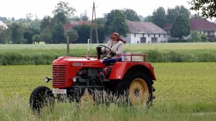 Az uniós programok csúszása esetén is számolhatnak a gazdák a támogatások előfinanszírozásával