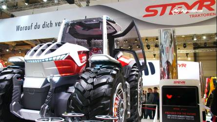 Videó a jövő és a jelen legjobb traktorairól - Robottraktorok és drónok Hannoverből