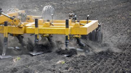 Magyar talajművelő gépek a holland gazdák szolgálatában