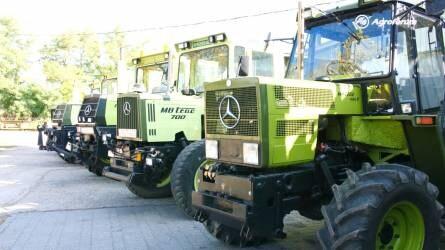 Mercedes traktorszerelem - Veterán MB-Trac traktorok és permetező Unimog Dunavecsén